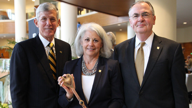 From left: Dean of Business Steve Reinemund, Trustee Mary Farrell (P '10) and President Nathan Hatch.